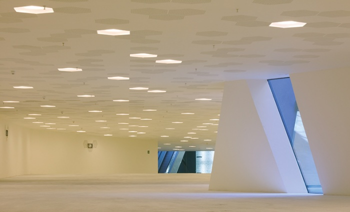 https://www.luxiona.com/projects/projects/arquitectural/Forum/forum_2.jpg