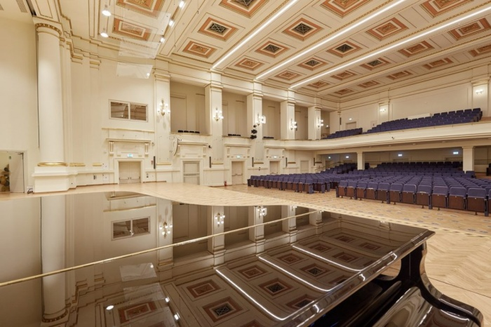 https://luxiona.com/projects/projects/arquitectural/202009-cracow philharmonic/Cracow Philharmonic-luxiona-11.jpg