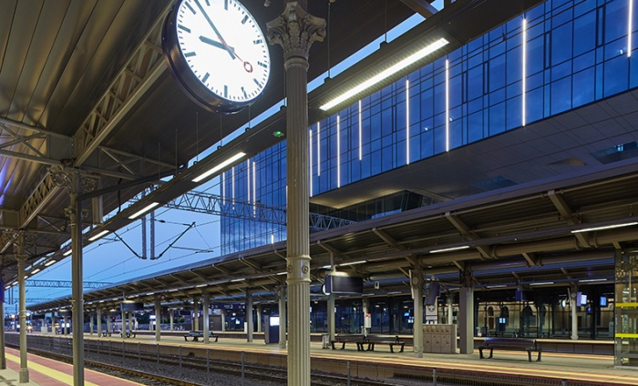 https://www.luxiona.com/projects/projects/urban/bydgoszcz train station/bydgoszcz train station_4.jpg