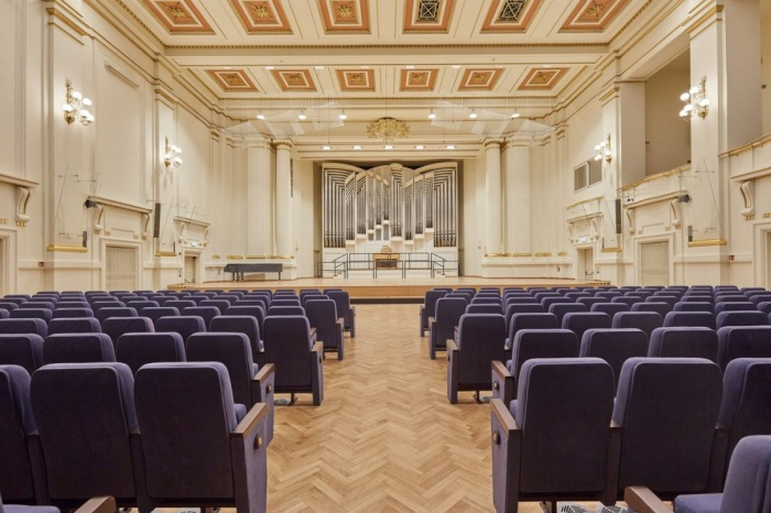 https://luxiona.com/projects/projects/arquitectural/202009-cracow philharmonic/Cracow Philharmonic-luxiona-2.jpg