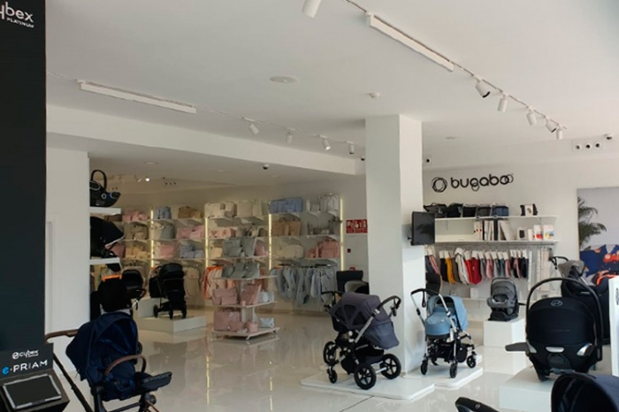 https://luxiona.com/projects/projects/retail/Crioh/14-Crioh Puericultura Badajoz Proyecto-Luxiona.jpg