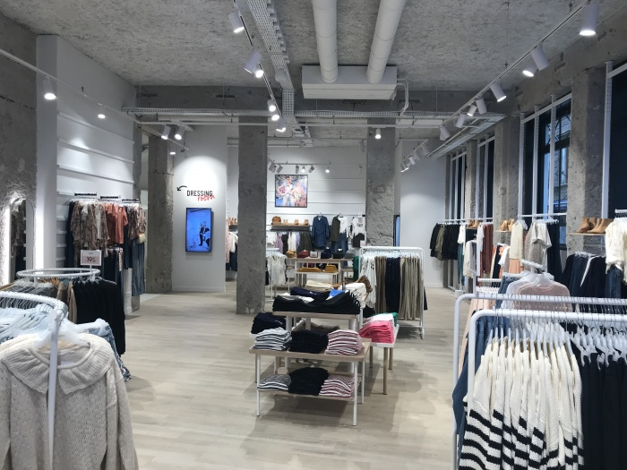 https://luxiona.com/projects/projects/retail/Camaieu Lyon/06-Camaieu Lyon France Project-Luxiona.jpg