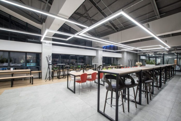 https://www.luxiona.com/projects/projects/hospitality/Marie Curie Canteen/luxiona-lighting-lublin-marie-curie-canteen-8.jpg