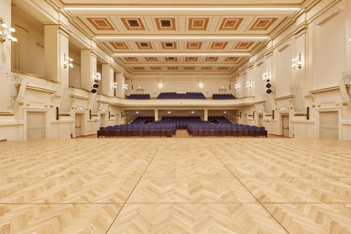 https://luxiona.com/projects/projects/arquitectural/202009-cracow philharmonic/Cracow Philharmonic-luxiona-12.jpg