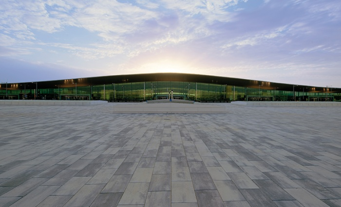https://www.luxiona.com/projects/projects/arquitectural/Terminal T1 - Barcelona/aeroportT1_1.jpg
