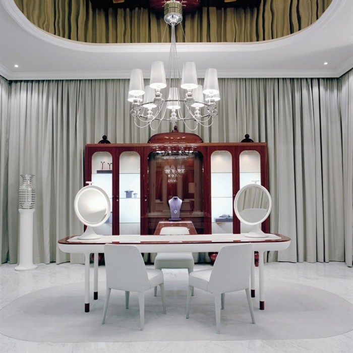 https://www.luxiona.com/projects/projects/retail/faberge salon/faberge_1.jpg