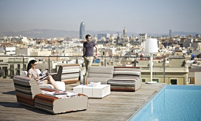 https://www.luxiona.com/projects/projects/hospitality/Gran Hotel Barcelona/hotel-central_2.jpg