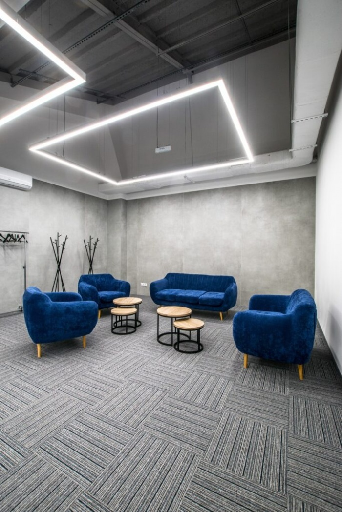https://www.luxiona.com/projects/projects/hospitality/Marie Curie Canteen/luxiona-lighting-lublin-marie-curie-canteen-20.jpg
