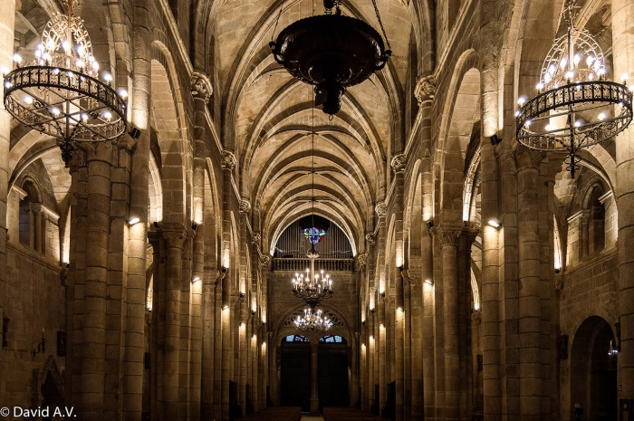 https://luxiona.com/projects/projects/arquitectural/catedral-orense/01-Catedral Ourense Luxiona.jpg