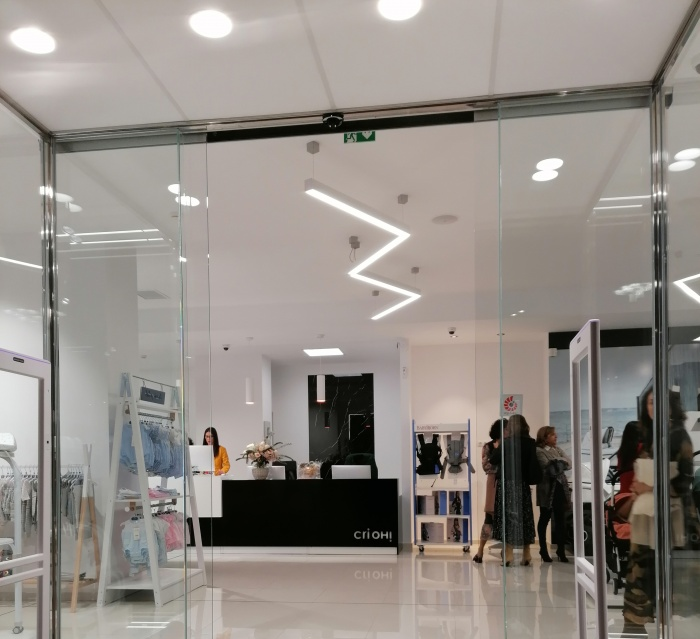 https://luxiona.com/projects/projects/retail/Crioh/12-Crioh Puericultura Badajoz Proyecto-Luxiona-2.jpg
