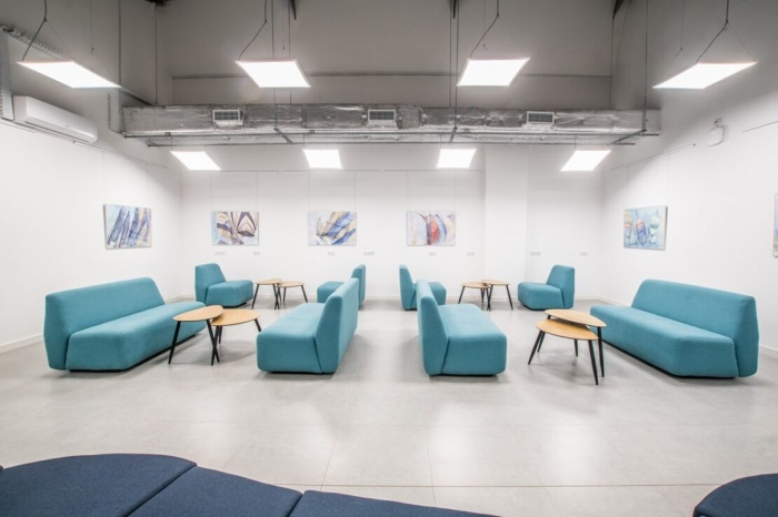 https://www.luxiona.com/projects/projects/hospitality/Marie Curie Canteen/luxiona-lighting-lublin-marie-curie-canteen-4.jpg