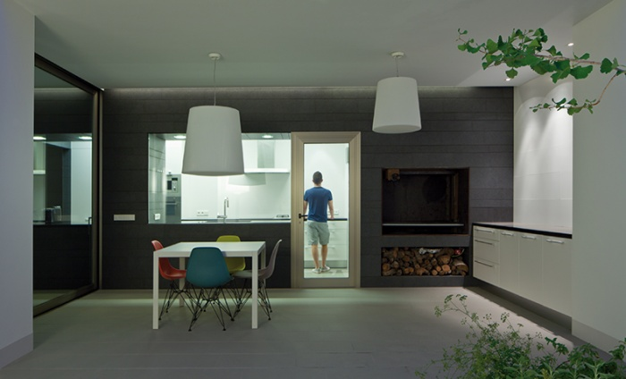 https://www.luxiona.com/projects/projects/residencial/casa 1/1_1_1_2.jpg