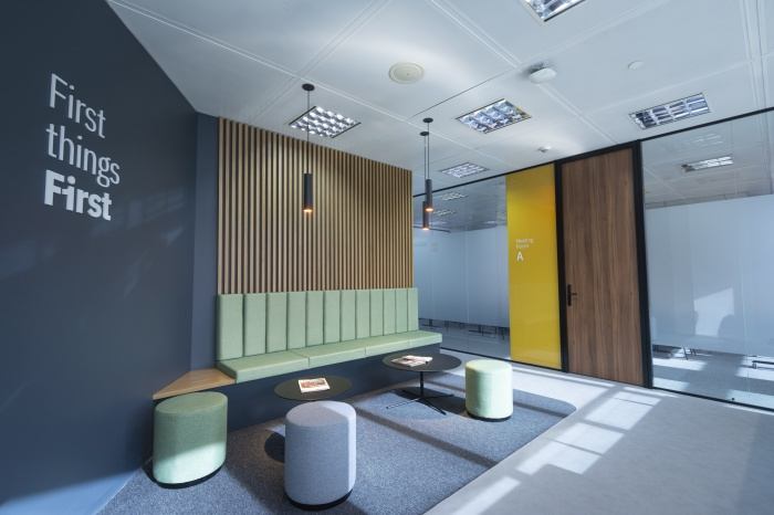 https://luxiona.com/projects/projects/office/first plaza castilla/first workspaces plaza castilla luxiona 01.jpg