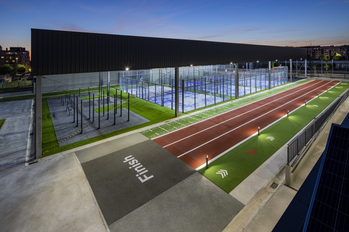 https://luxiona.com/projects/projects/sports/supera/02-Supera Gym-Lighting Project-Luxiona-Troll.jpg