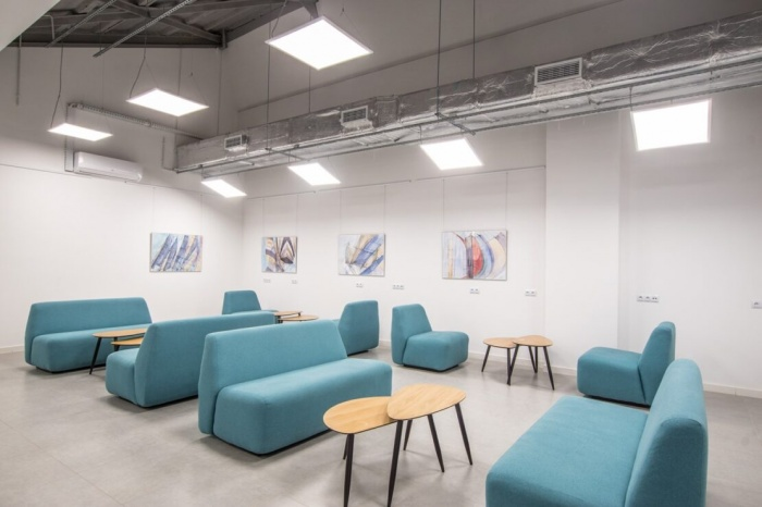 https://www.luxiona.com/projects/projects/hospitality/Marie Curie Canteen/luxiona-lighting-lublin-marie-curie-canteen-15.jpg