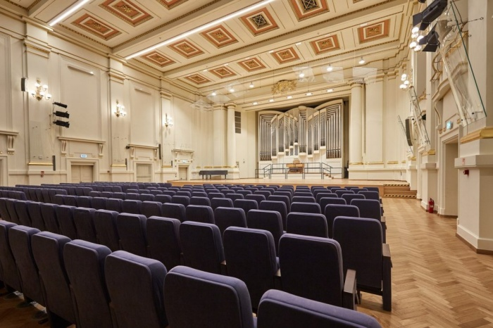 https://luxiona.com/projects/projects/arquitectural/202009-cracow philharmonic/Cracow Philharmonic-luxiona-3.jpg
